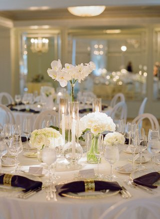 wedding-reception-white-flower-centerpiece-rose-hydrangea-orchid-napkin-gold-ring-hotel-casa-del-mar