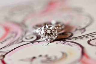 six-prong-diamond-engagement-ring-with-round-center-stone