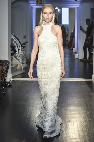 lakum-fall-2018-chaotic-lace-gown-with-high-neck-and-train