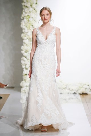 morilee-by-madeline-gardner-endless-love-wedding-dress-lana-v-neck-lace-gown-alencon-lace