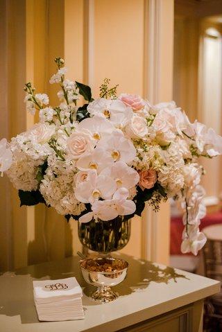 wedding-reception-flower-arrangement-white-phalaenopsis-orchid-white-hydrangea-pink-rose-stock