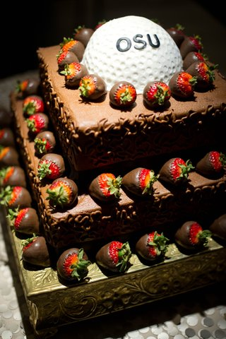 grooms-cake-with-gold-ball-for-oklahoma-state-university-chocolate-covered-strawberries