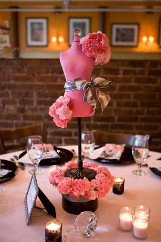 pink-and-black-mannequin-centerpiece