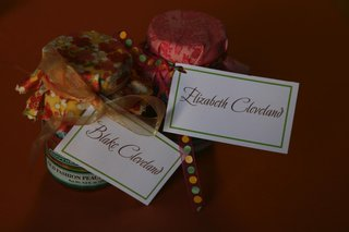 homemade-jam-doubled-as-seating-card-and-favors