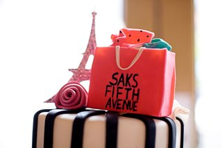 eiffel-tower-and-saks-fifth-avenue-cake-topper
