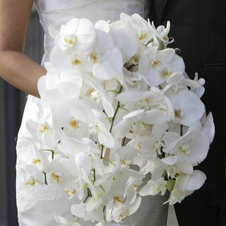 bridal-bouquet-of-white-orchids