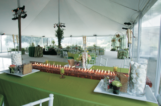 smore-table-at-a-wedding-reception