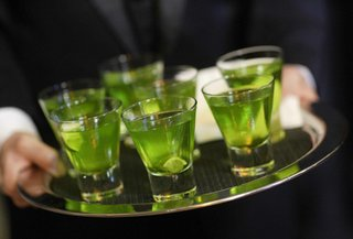 shot-glasses-of-lime-green-cocktail
