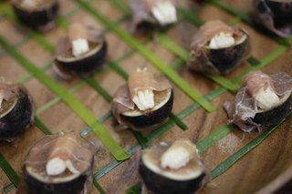 small-hors-doeuvres-with-prosciutto