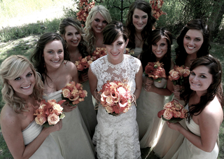 bride-in-a-lace-monique-lhuillier-gown-and-bridesmaids-in-strapless-dresses