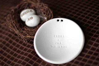 ring-holder-dish-with-engraved-names-and-bird-nest-eggs