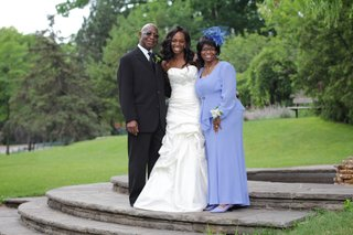 enuka-okumas-mother-of-bride-perriwinkle-dress-and-hat