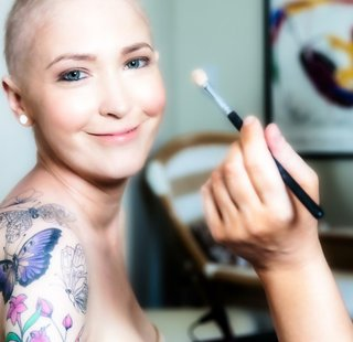jen-bulik-lung-cancer-bride-getting-makeup-done-for-wedding