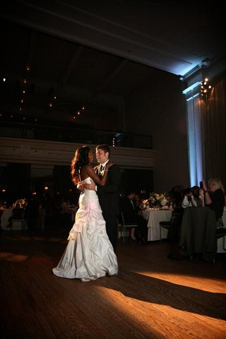 enuka-okuma-and-joe-gasparik-first-dance
