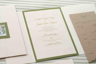 false-wood-wedding-invite-with-green-border-and-monogram