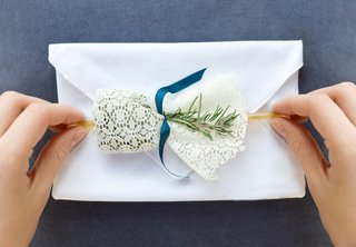 linen-handkerchief-invitations-and-lace-wrapped-gifts