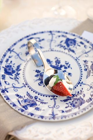 strawberry-on-a-spoon-and-china