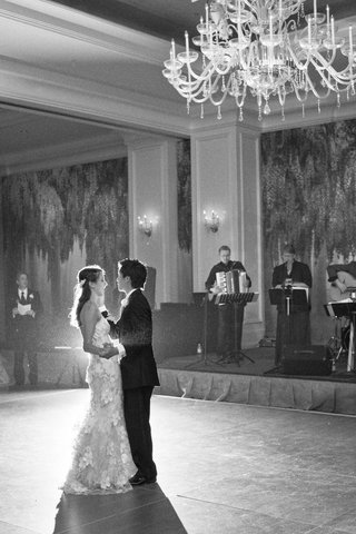 black-and-white-photo-of-live-band-first-dance