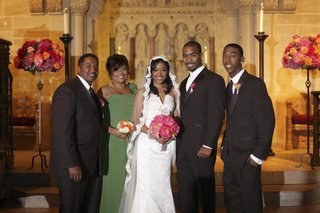 bride-and-groom-with-mother-father-and-brother