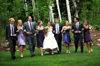 bride-and-groom-with-bridesmaids-and-groomsmen-in-utah