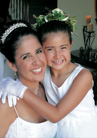 bride-with-flower-girl-in-gloves-and-flower-crown