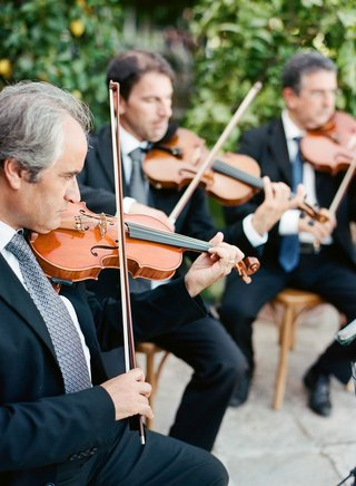 wedding-ceremony-quartet-of-string-instruments-playing-at-outdoor-ceremony-wedding-entertainment