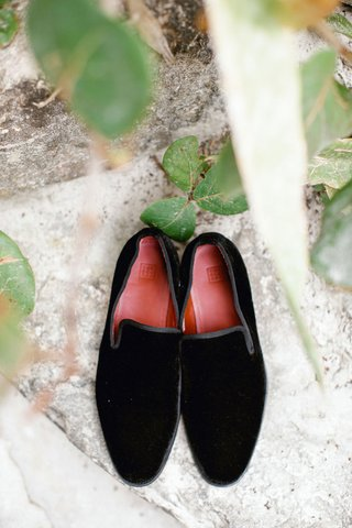 wedding-accessories-black-velvet-loafer-for-groom-red-sole-sleek-border-beach-wedding-formal