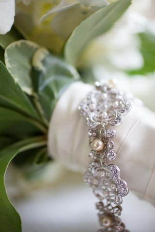 brides-silver-tone-pearl-and-rhinestone-bracelet