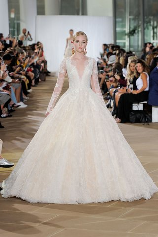 ines-di-santo-fall-2019-bridal-collection-wedding-dress-aurelia-lace-ball-gown-v-neck-v-back