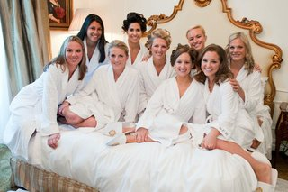 bridesmaids-in-curlers-and-white-robes-and-slippers