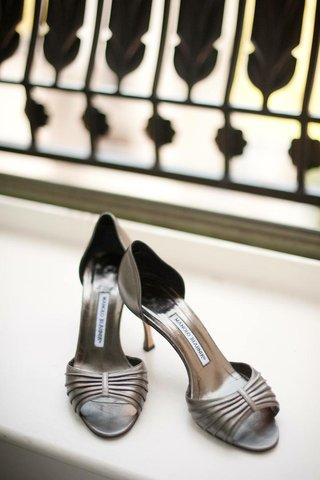 metallic-manolo-blahnik-peep-toe-wedding-shoes