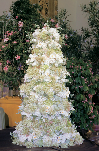 wedding-confection-covered-in-flowers