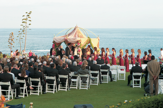 ceremony-on-lawn-overlooking-the-ocean