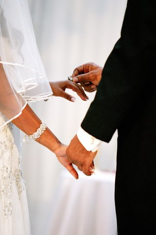 african-american-bride-and-groom-wedding-bands