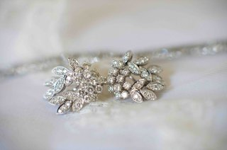 brides-diamond-earrings