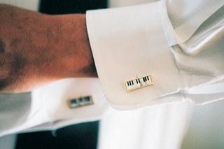 cuff-links-that-look-like-pianos