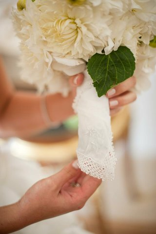 white-hanky-around-wedding-bouquet-stems