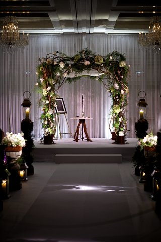 jewish-chuppah-made-out-of-branches-and-greenery
