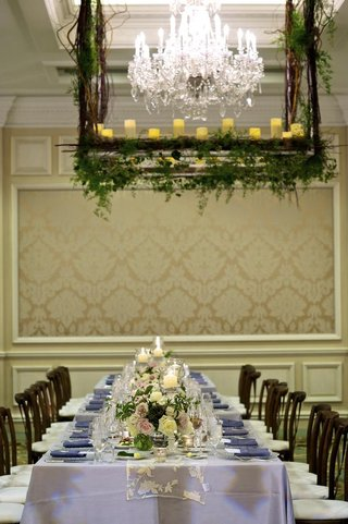 silver-tablecloths-with-lace-runners-and-short-florals