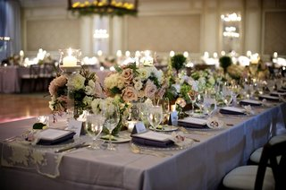 silver-linens-topped-with-blush-and-ivory-flowers