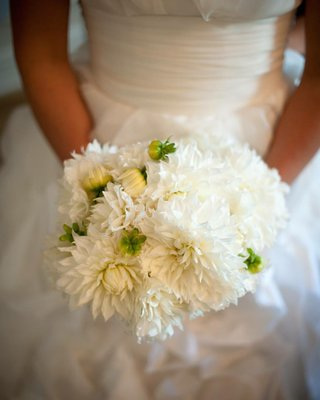 bridal-wedding-bouquet-with-white-dahlia-flowers