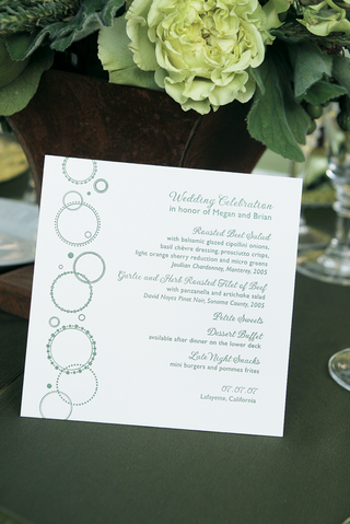 wedding-menu-card-with-green-circle-design