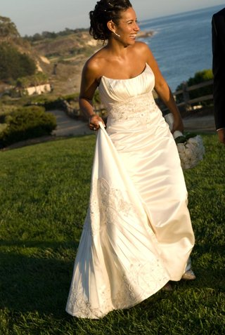 ivory-sleeveless-wedding-dress-with-embroidery