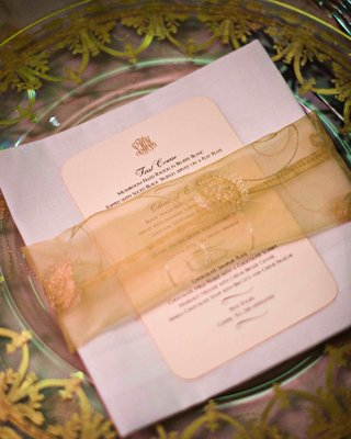 clear-charger-plates-with-sheer-fabric-napkin-ring