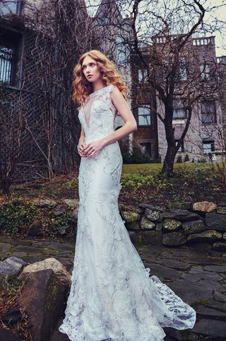 carnegie-sareh-nouri-spring-2018-3d-lace-metallic-embroidery-trumpet-gown-plunging-illusion-neckline