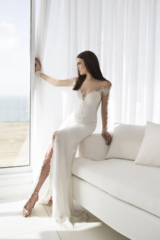 elsa-wedding-dress-by-julie-vino-quartet-collection
