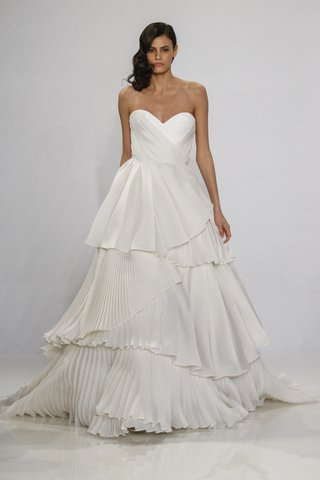 christian-siriano-for-kleinfeld-bridal-strapless-sweetheart-neckline-ball-gown-pleated-tiered-skirt