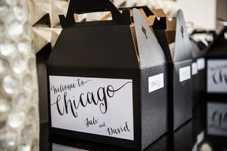 welcome-to-chicago-gift-boxes-bags-modern-wedding-black-white