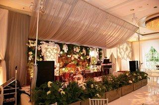 enchanted-garden-theme-ballroom-entertainment