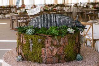 rustic-southern-wedding-grooms-cake-inspired-by-steel-magolias-movie